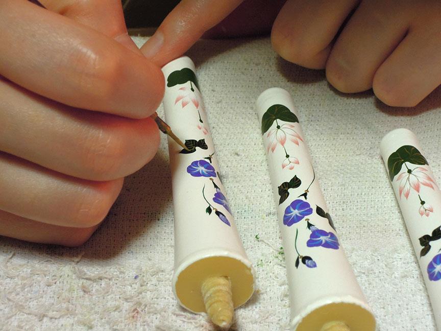 絵ろうそくの手描き工程